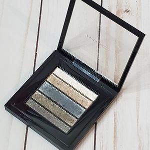 Mac cosmetics Velux pearlfusion shadow